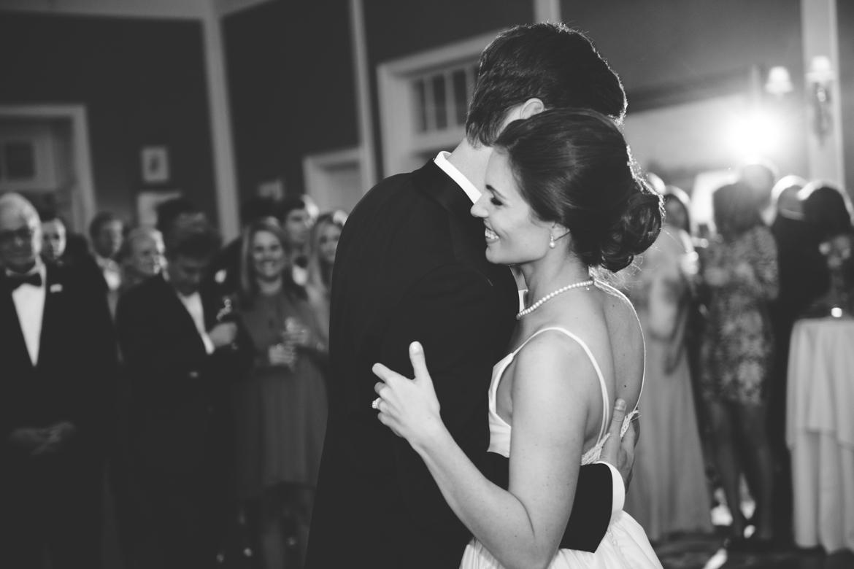 richmond-va-country-club-of-virginia-wedding-first-dance